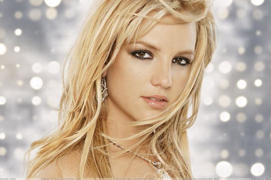 Britney Spears cay đắng đưa lời khai trước tòa về 13 năm làm nô lệ trong chính ngôi nhà của mình