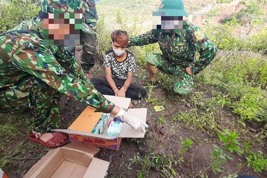 Thiếu niên 16 tuổi vận chuyển 5kg ma túy từ Lào về Việt Nam