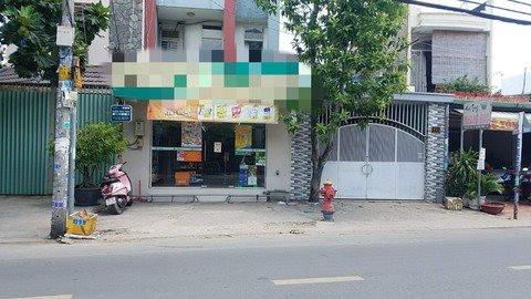 Truy xét đối tượng đánh nhân viên cửa hàng tiện lợi, cướp tài sản