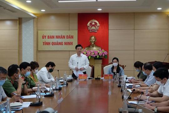 Quảng Ninh: Ưu tiên tiêm phòng vắc-xin Covid-19 cho cán bộ, giáo viên, nhân viên tham gia làm thi
