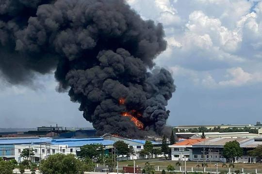 Đồng Nai: Cháy lớn tại công ty sản xuất hóa chất