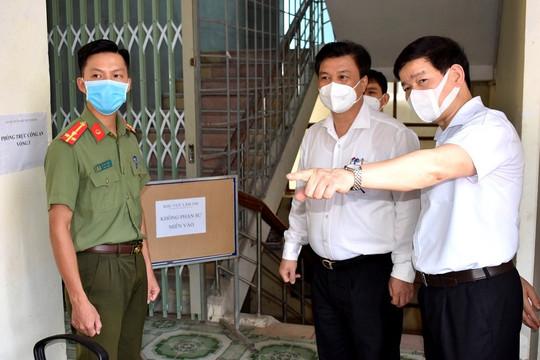 Thứ trưởng Nguyễn Hữu Độ: Tổ chức xét nghiệm cho cán bộ, giáo viên, nhân viên tham gia phục vụ kỳ thi