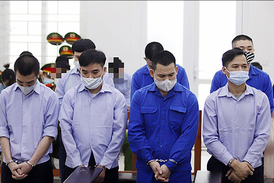 """Quang """"Ram bo"""" lĩnh án 8 năm tù vì cưỡng đoạt tài sản"""
