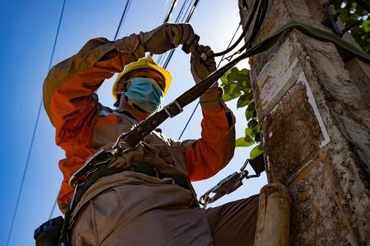 Tổng công ty Điện lực miền Bắc đảm bảo cấp điện cho 883 địa điểm thi tốt nghiệp THPT tại 27 tỉnh phía Bắc.