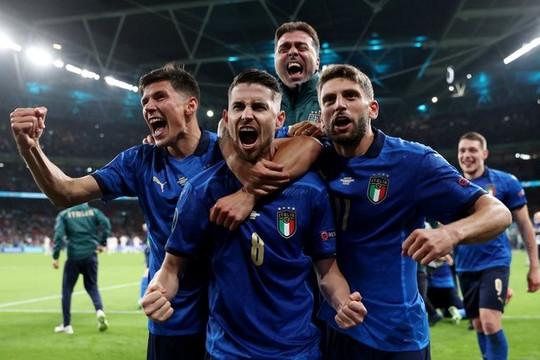 Italy lần thứ 4 giành vé vào chung kết Euro nhờ chiến thắng sau loạt sút luân lưu