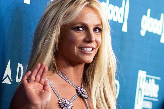 """Britney Spears sẽ chính thức giải nghệ sau ồn ào về """"quyền bảo hộ"""" với gia đình"""