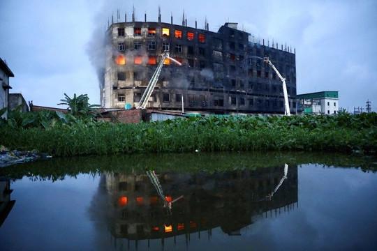 Cháy nhà máy ở Bangladesh: 33 người thương vong