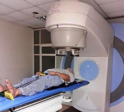 Bệnh nhân ung thư không thể xạ trị vì máy hỏng không ai sửa chữa