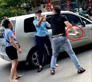 Danh tính người đàn ông bóp cổ phụ xe buýt ở Hà Nội
