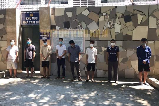 Nghệ An: Bắt nhóm đối tượng đánh bạc bằng hình thức cá độ bóng đá