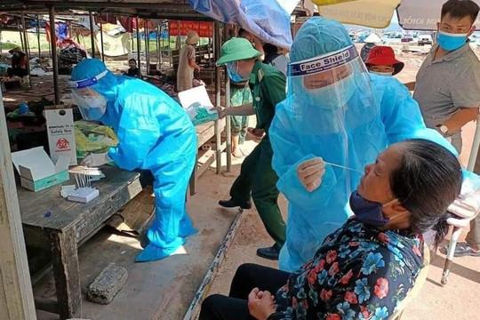 Cảnh cáo Trưởng Trạm Y tế xã Nghi Sơn do không tuân thủ quy trình chống dịch