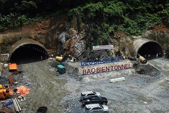 Nhánh phải đường hầm xuyên núi tuyến Hạ Long - Cẩm Phả đã được thông