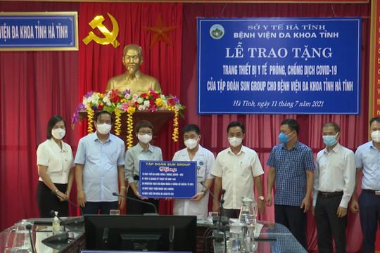 Sun Group trao tặng trang thiết bị y tế hỗ trợ điều trị Covid-19 trị giá hơn 31 tỷ đồng cho Hà Tĩnh