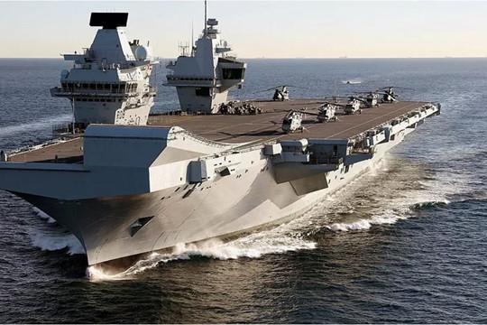 Phát hiện ít nhất 100 ca mắc COVID-19 trên tàu chiến Hải quân Hoàng gia Anh