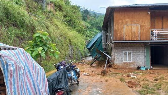 Sạt lở vì mưa lớn ở Hà Giang: 1 người tử vong
