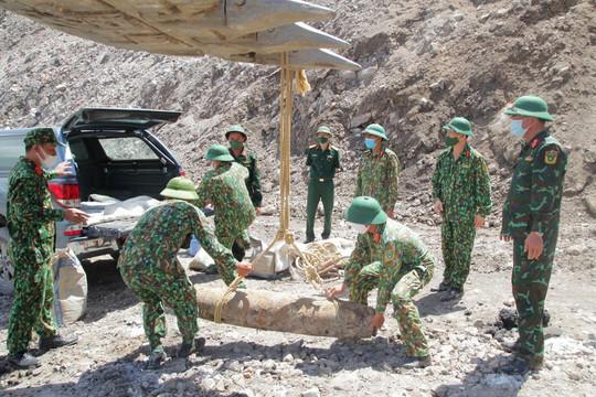 Phát hiện quả bom nặng gần 230kg tại mỏ than lộ thiên