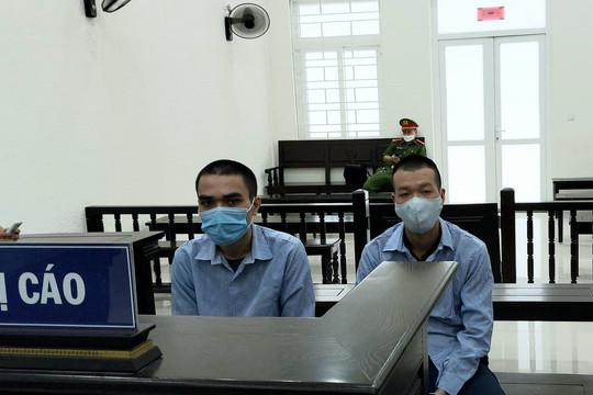Đồng nghiệp dắt nhau vào tù vì lưu hành tiền giả