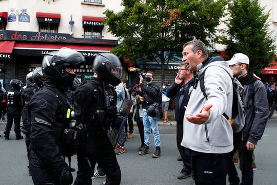 """Tin vắn thế giới ngày 18/7: Biểu tình lớn ở Paris phản đối """"giấy thông hành COVID-19"""""""
