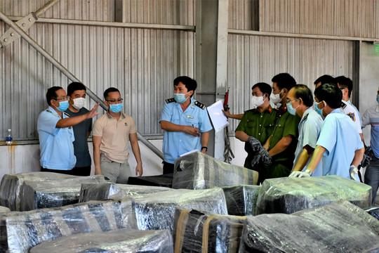 Đà Nẵng: Bắt giữ số lượng lớn hàng nhập khẩu nghi sừng tê giác và xương động vật hoang dã