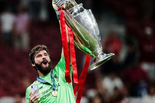 Liverpool chuẩn bị công bố bản hợp đồng đầu tiên