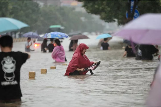Mưa lũ nghiêm trọng ở Trung Quốc: 200.000 người được sơ tán