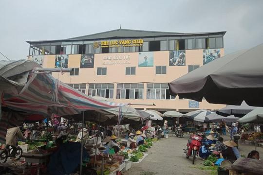 Nông dân trồng rau sạch ở huyện Đông Anh (thành phố Hà Nội) gặp khó khăn do ảnh hưởng của dịch Covid-19