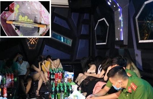 Kiểm điểm trách nhiệm vì để quán karaoke hoạt động chui, khách hát sử dụng ma túy