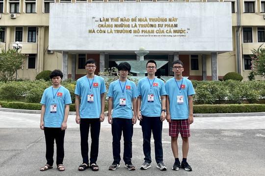 Học sinh Hà Nội đạt Huy chương Vàng Olympic được thưởng 20 triệu đồng