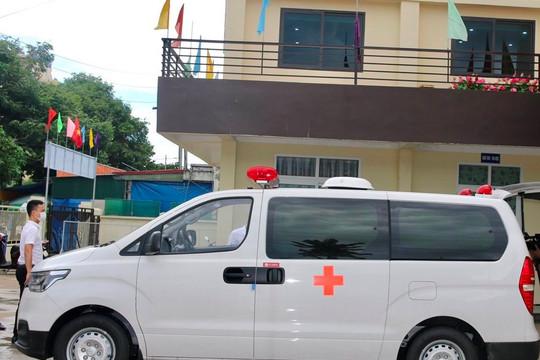 Tập đoàn FLC tặng xe cứu thương cho TP Sầm Sơn