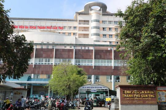 Cần Thơ: Giám đốc Bệnh viện cùng với 7 nhân viên y tế dương tính với COVID-19