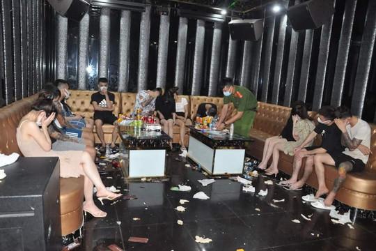 Đột kích quán karaoke phát hiện 43 trường hợp dương tính với ma túy