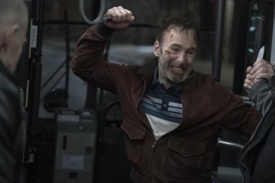 Nam diễn viên Bob Odenkirk đột quỵ trên phim trường