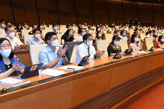 Quốc hội thông qua 4 Nghị quyết liên quan đầu tư công và đời sống dân sinh