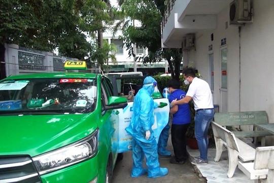 TP.HCM điều động 200 xe taxi vận chuyển bệnh nhân Covid-19
