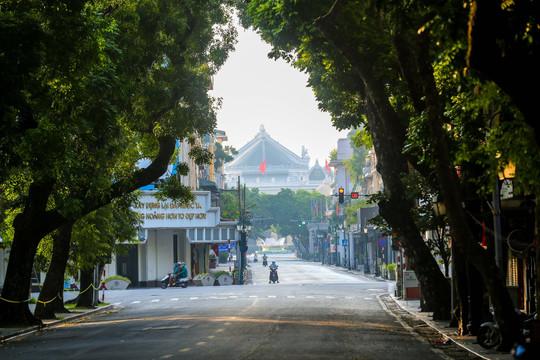 Dịch vụ thiết yếu nào được hoạt động tại Hà Nội trong thời gian giãn cách?