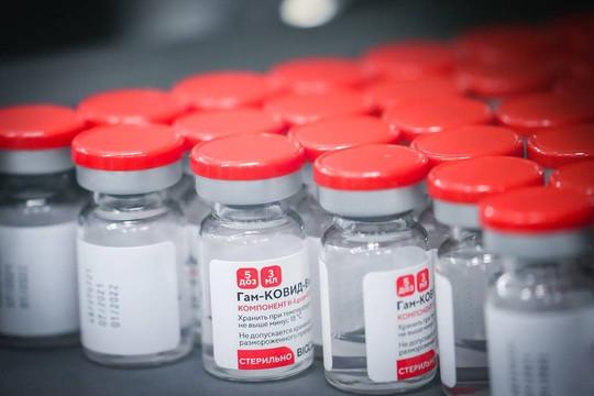 Nga công bố kết quả nghiên cứu kết hợp vaccine Sputnik V và AstraZeneca