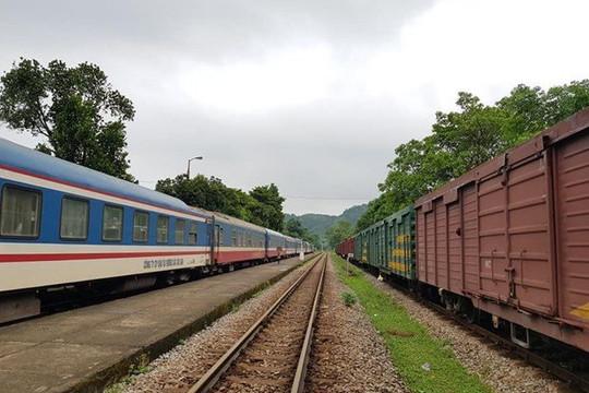 Vận chuyển hàng hóa 'cứu lỗ' cho ngành đường sắt?