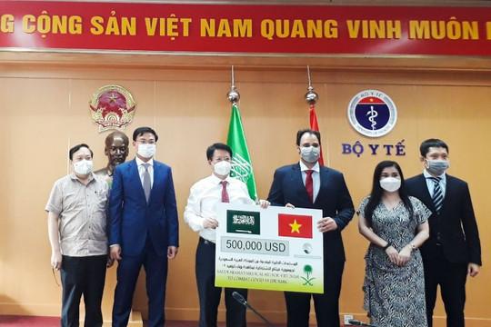 Arab Saudi hỗ trợ Việt Nam vật tư y tế phòng, chống dịch Covid-19