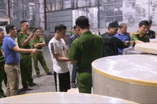Triệt phá đường dây buôn lậu quặng trái phép sang Trung Quốc