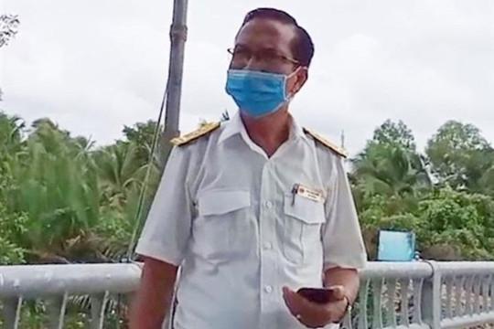 """Đội trưởng đội thuế ở Bến Tre bị cách chức vì """"thông"""" chốt kiểm dịch"""