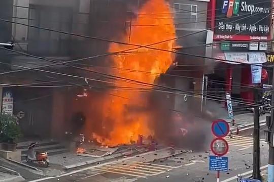 Clip cửa hàng gas ở Sa Pa phát nổ bốc cháy dữ dội