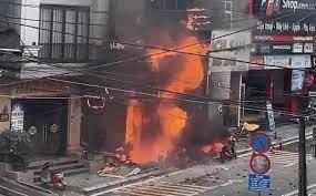 Sa Pa: Cháy lớn tại cửa hàng gas kèm nhiều tiếng nổ kinh hoàng