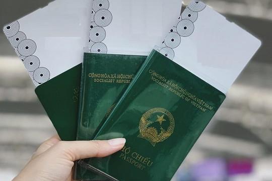 Áp dụng hộ chiếu gắn chíp từ hôm nay