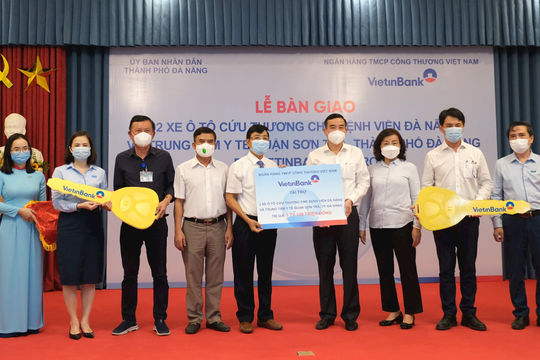 VietinBank trao tặng 2 xe cứu thương chất lượng cao tại Đà Nẵng