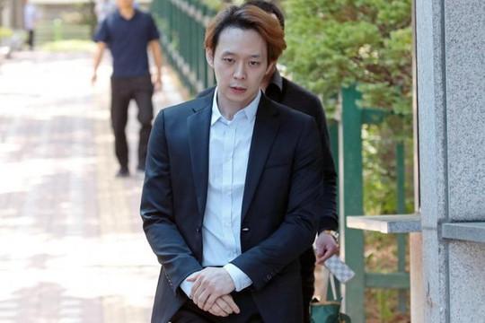 Park Yoochun bị công ty quản lý khởi kiện và lật lại vụ án cưỡng dâm
