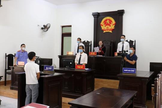 Lĩnh 7 tháng tù vì đánh nhân viên y tế ở chốt kiểm dịch