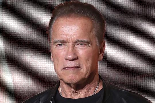Ngôi sao 'Kẻ hủy diệt' Arnold Schwarzenegger bị tẩy chay