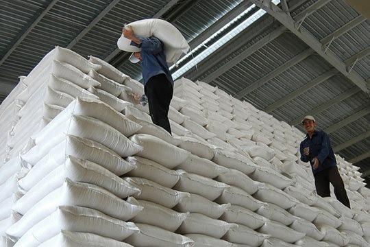 Xuất hơn 130.000 tấn gạo hỗ trợ người dân gặp khó do dịch COVID-19 tại 24 tỉnh, thành