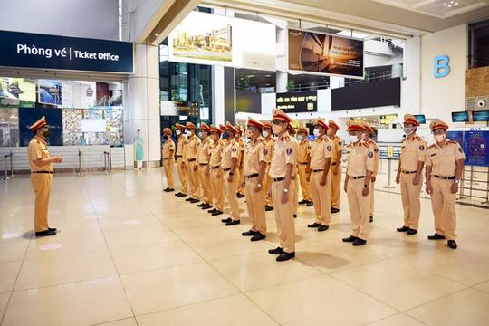 Cục Cảnh sát giao thông xuất quân vào TP.HCM hỗ trợ chống dịch