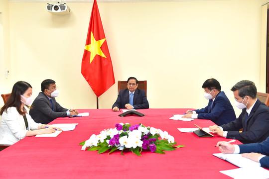Pfizer sẽ đẩy nhanh giao vaccine, sẵn sàng hợp tác về thuốc điều trị COVID-19 với Việt Nam